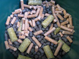 Mieszanka pelletów o różnym czasie rozpuszczania się